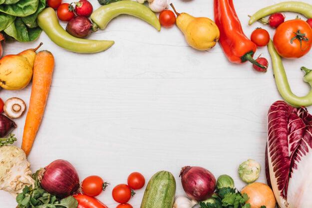 Alimentação ideal com legumes, frutas e verduras.